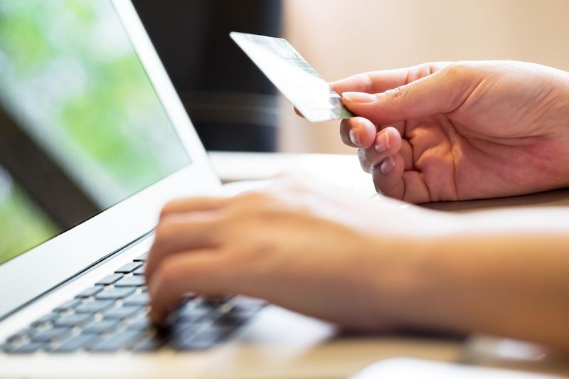 Protecting Yourself While Shopping Online